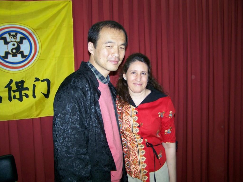 Qi Gong – Seminario – Ana y maestro 1