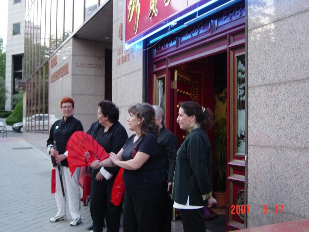Exhibición en el Restaurante Chino Donbom